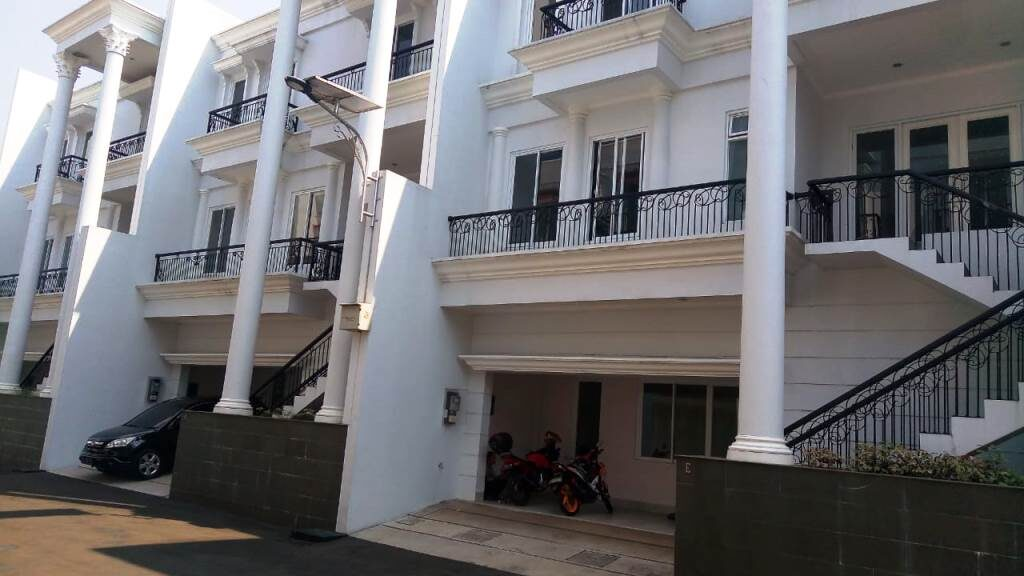 Mansion 8 Cilandak