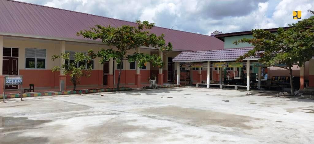 renovasi sekolah